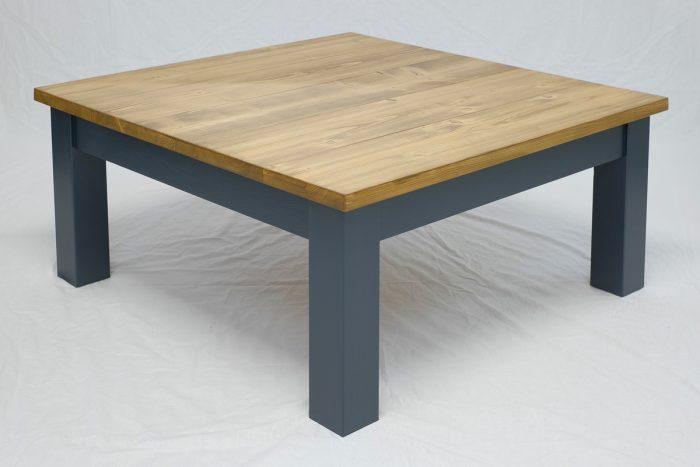Linglie Coffee Table