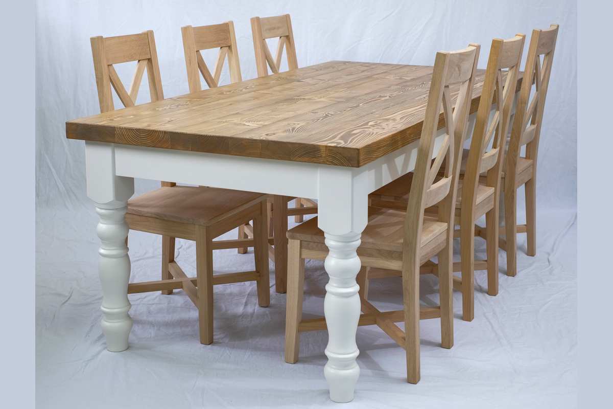 Dunrig Mor dining table